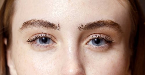 Everything you need to know about a laser eyelash lift, which will give you lifted lashes for years