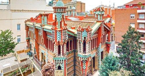 Barcelone : la première maison imaginée par Gaudí à louer pour 1 euro sur Airbnb   Connaissance des Arts