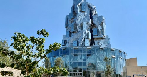 Que voir dans la tour Gehry de la Fondation Luma à Arles ? | Connaissance des Arts