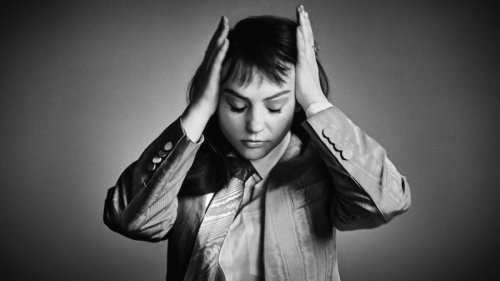 """Angel Olsen shares new song """"Alive and Dying (Waving, Smiling)"""": Stream"""
