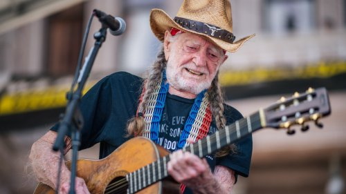 Willie Nelson performs at Poor People's Campaign voting rights march in Austin: Watch