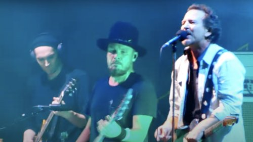 Pearl Jam adds Josh Klinghoffer as touring guitarist