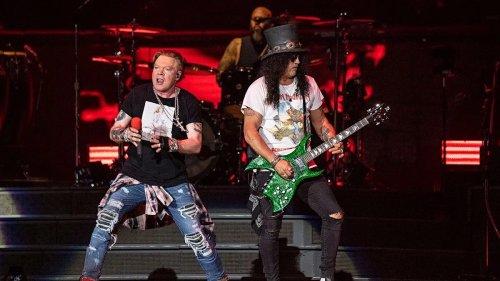"Guns N' Roses rehearse new song ""Hard School"": Watch"
