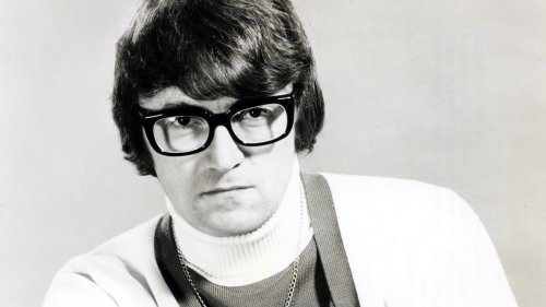 """R.I.P. Leslie Bricusse, Willy Wonka and """"Goldfinger"""" songwriter dead at 90"""