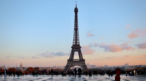 Paris: 7 Virtual Walking Tours Through the City of Light