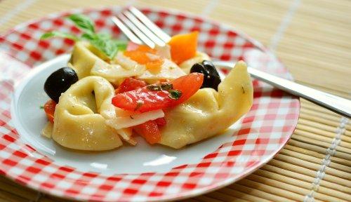 Tortellini Salat – herrliches Nudelsalat Rezept für die Grillsaison