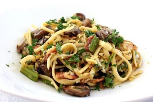 Grüner Spargel mit Pasta und Champignons – Spargel mal anders