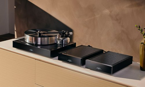 The Naim Solstice Special Edition Turntable | Cool Material