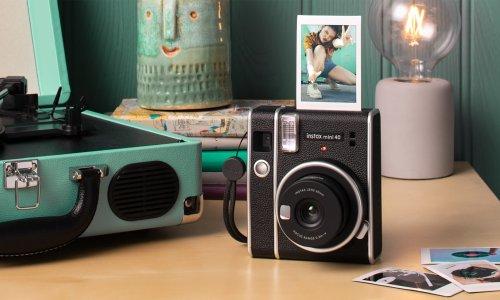 Fujifilm Instax Mini 40   Cool Material