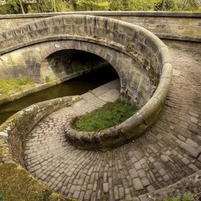 Clever Bridge Design Lets Horses Pulling a Barge Cross the Canal Without Untying Them - Core77