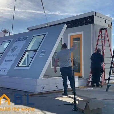 A Tour of the Unfolding, Flatpack 400-Square-Foot House Elon Musk Now Lives In - Core77