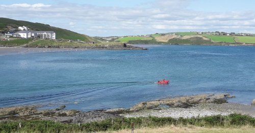 West Cork lifeboat patrollers find 'cold' paddleboarders swept 2.5km off course