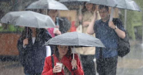 Thunder and heavy rain on the cards with storm warning for whole country