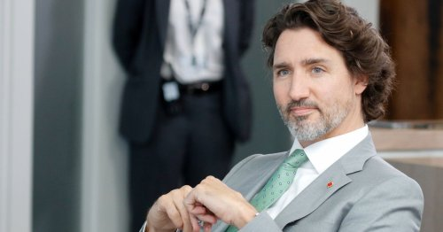 Lip reader catches Justin Trudeau appealing for booze
