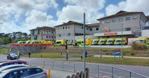 Over twenty ambulances queue outside 'chaotic' emergency department