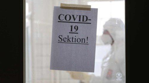 """Mitglieder der """"Pathologiekonferenz"""" verbreiten unbelegte Behauptungen über Covid-19-Impfungen und Todesfälle"""