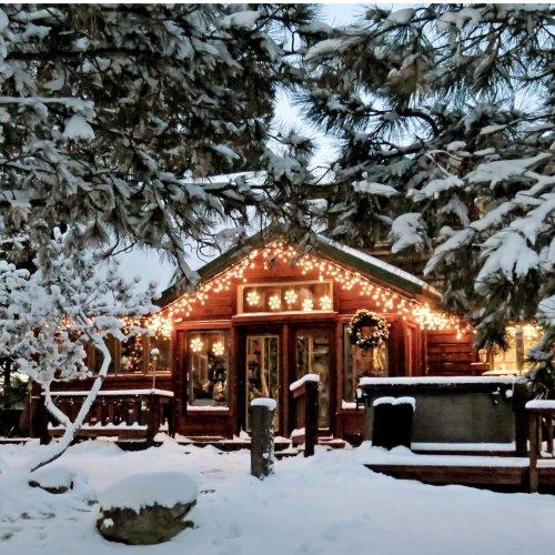 Hütten mieten an Silvester: Die schönsten Airbnb-Unterkünfte für den Jahreswechsel