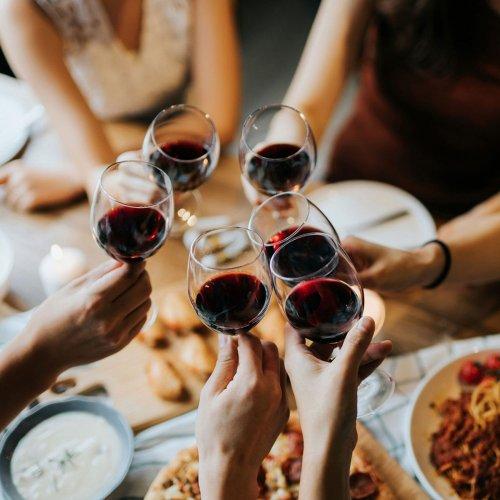 Neue Studie sagt: Ungesund wird Wein ab Glas Nummer .