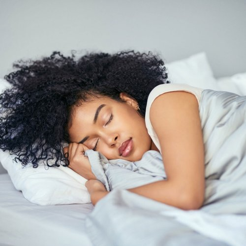 Aufgepasst!: Das ist die schlimmste Schlafposition für deinen Körper