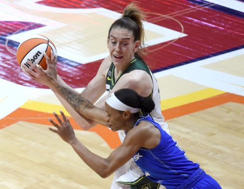 Former UConn women's basketball stars Tina Charles, Breanna Stewart named WNBA conference players of the week