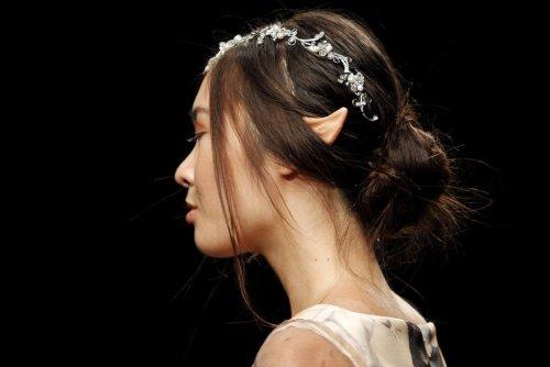 En pointe. Des oreilles d'elfe, la nouvelle opération tendance auprès des jeunes Chinois