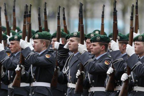 """""""Meute de loups"""". En Allemagne, un groupe d'extrême droite découvert dans une prestigieuse unité de l'armée"""