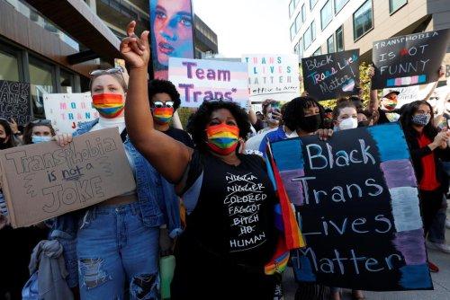 États-Unis. Manifestation contre Netflix après la diffusion du spectacle de Dave Chappelle jugé transphobe