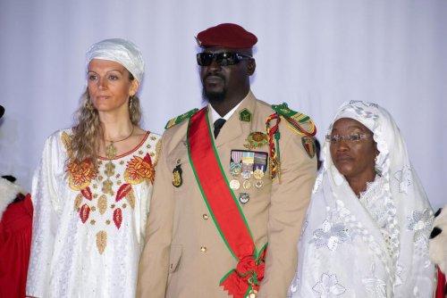 Première dame. L'épouse française du président guinéen ciblée par des trolls russes
