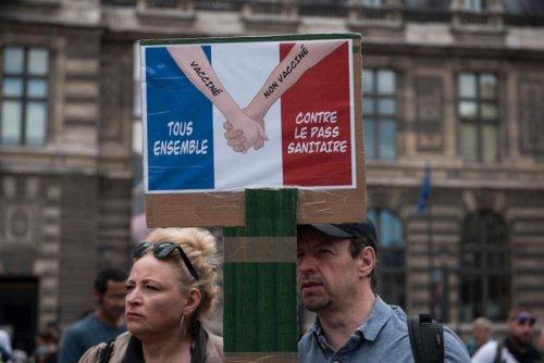Pandémie. En France, l'élargissement du pass sanitaire validé par le Conseil constitutionnel