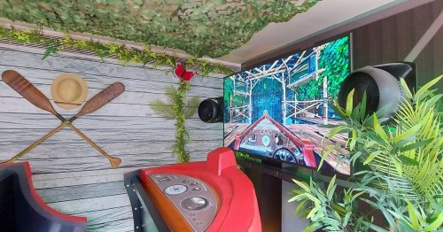 Virtual reality boat ride takes shoppers to the jungle at shopping centre