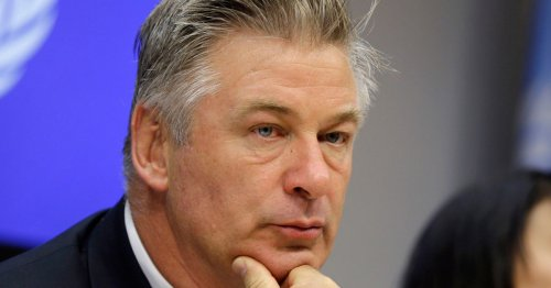 Witness claims Alec Baldwin said 'why was I handed a hot gun?'