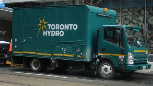 Power outage affecting up to 500 customers in downtown Toronto
