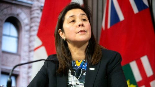 Toronto's top public health official wants city to consider quarantine facility for COVID patients who can't isolate at home
