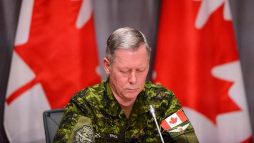 Senior officer who golfed with Vance has power over military police investigations