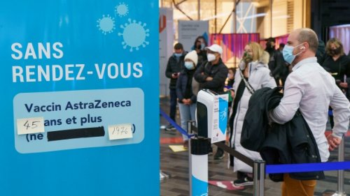 Quebec offers 3rd dose of COVID vaccine to AstraZeneca recipients who want to travel