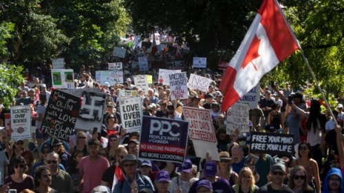 Woman charged after assault during anti-vaccine protest in downtown Toronto