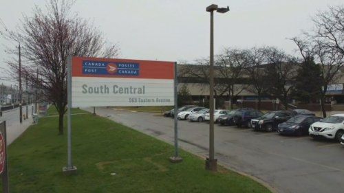 Canada Post employee at Toronto facility dies amid COVID-19 outbreak