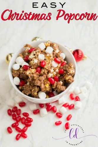 Easy Christmas Popcorn Recipe for Holidays