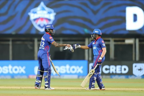 Twitter Erupts As Prithvi Shaw And Shikhar Dhawan's Onslaught Propells Delhi Capitals To A Commanding Win Over Chennai Super Kings