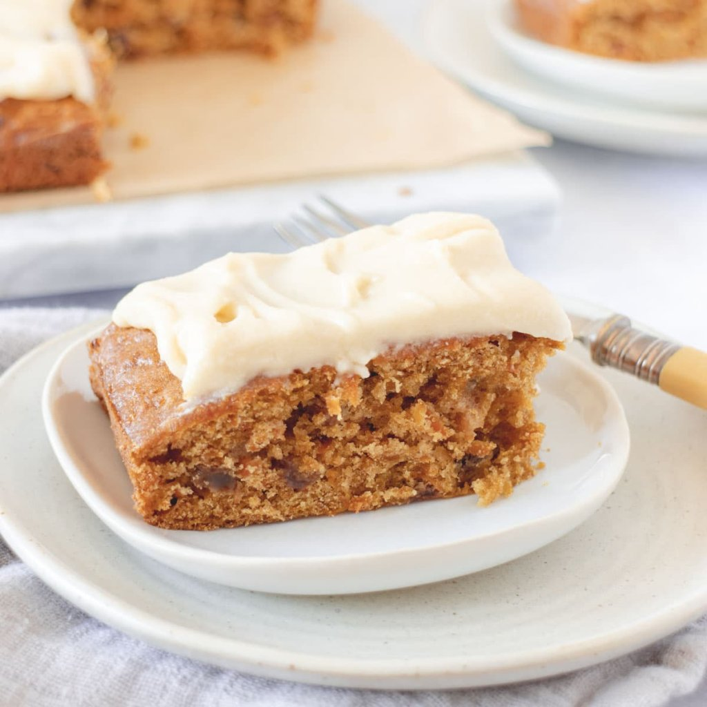 Deliciously easy cake recipes - cover