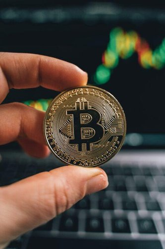 Bitcoin's Price Is 'Discounted' and Could Move to $100,000, Says Bloomberg Analyst