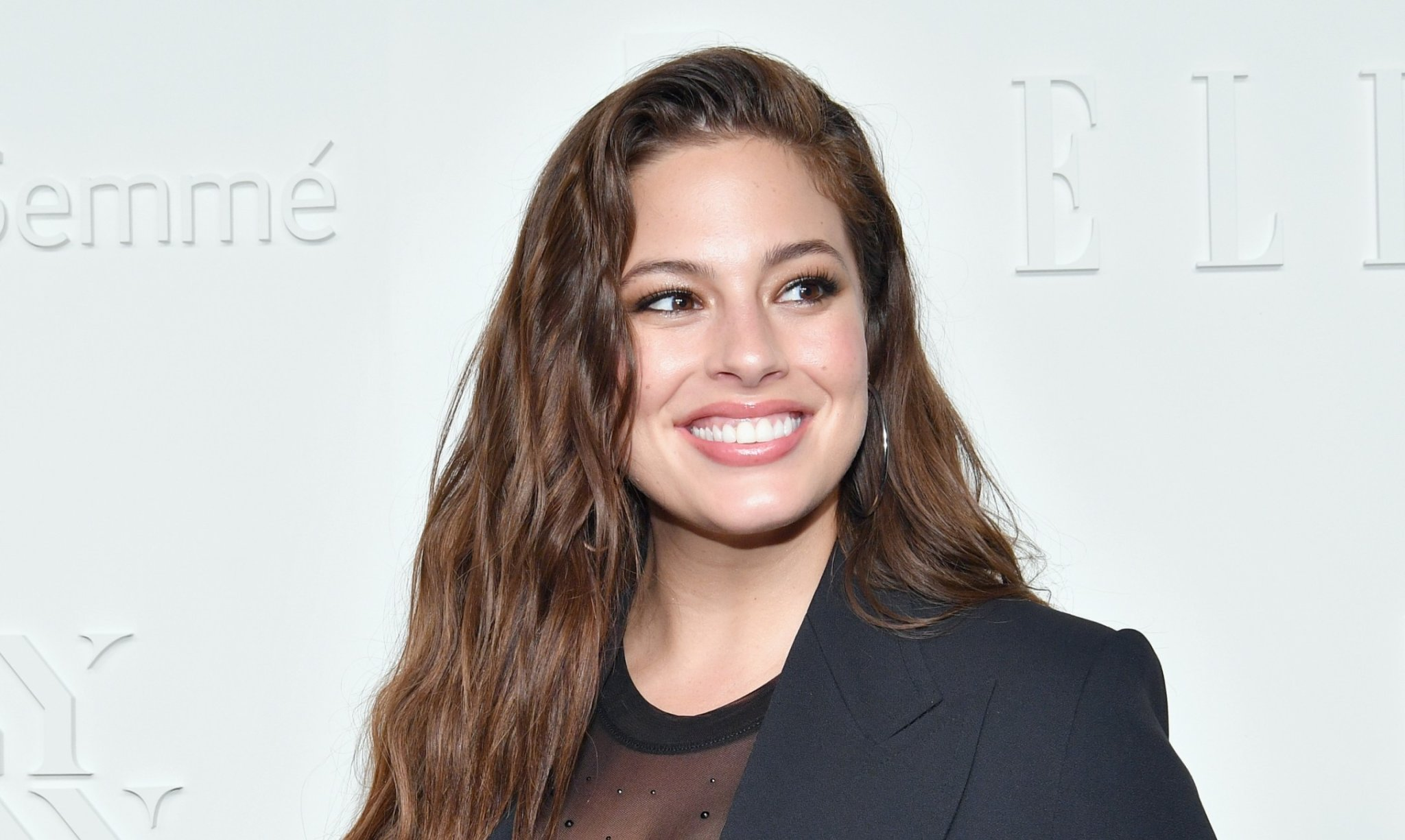 Ashley Graham Proudly Pumps in BTS Vid While Shooting New Calvin Klein Campaign