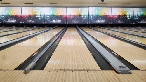 Saskatoon bowling alley manager frustrated with COVID-19 reopen plan