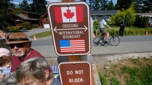 Canada-U.S. border impact uncertain after U.S. says foreign visitors will have to be vaccinated