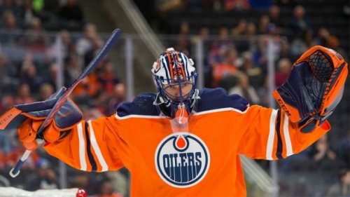 Goalie Mike Smith signs two-year, US$4.4-million extension with Edmonton Oilers