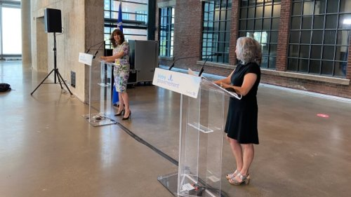 Only Quebec music to be played in government buildings, minister announces