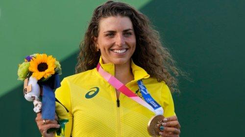 Australia's Jess Fox uses condom to fix kayak, wins bronze at Tokyo Olympics