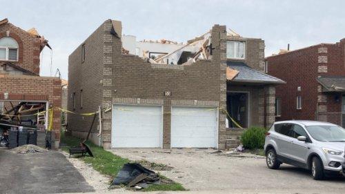 71 homes uninhabitable after EF-2 tornado rips through Barrie, Ont.