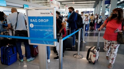 U.S. plans to require COVID-19 shots for foreign travellers