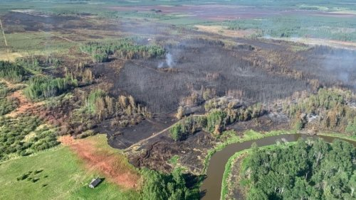 Helicopter helping fight wildfire crashes west of Edmonton: police